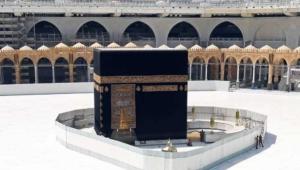 العاهل السعودي يوافق على إقامة صلاة التراويح بالحرمين الشريفين