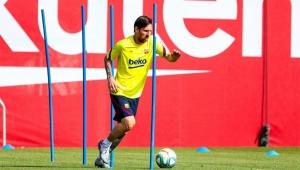 شاهد أول تدريب لبرشلونة.. 3 إصابات بكورونا بين لاعبي الليغا