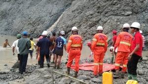 نهاية مأساوية للباحثين عن الثراء.. 162 قتيلا بانهيار منجم للأحجار الكريمة في ميانمار