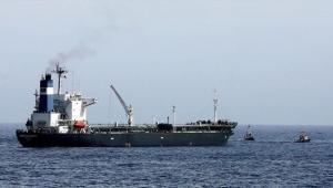 جماعة الحوثي تحذر من كارثة وشيكة جراء احتجاز التحالف سفن نفطية