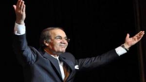 """الموت يغيب الفنان محمود ياسين """"دنجوان"""" السينما المصرية"""