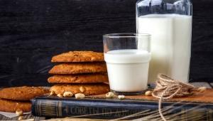 8 أطعمة تحتوي على كالسيوم أكثر من الحليب.. تعرف عليها