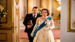 """هل حُول التاريخ إلى مهزلة؟.. أخطاء فادحة في مسلسل """"التاج"""" تغضب العائلة الملكية"""