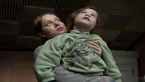 """تفوق على الرواية الأصلية.. فيلم """"غرفة"""" عندما تحول الأمهات السجن إلى جنة"""