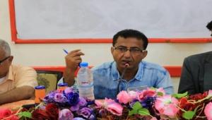 """الشاعر عبد الإله الشميري في حوار مع """"الموقع بوست"""": اليمن يفتقد للنقاد الحقيقيين"""