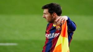 كان عليهم بيع ميسي.. ريفالدو: إدارة برشلونة أخطأت