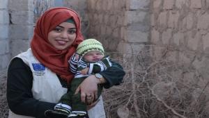 """""""بشرى الأغبري"""" طبيبة يمنية تركت عائلتها للكفاح من أجل صحة المرأة (ترجمة خاصة)"""