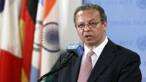 """""""الموقع بوست"""" ينشر النص الكامل لحوار الجزيرة مع المبعوث الأممي الأسبق إلى اليمن جمال بنعمر"""