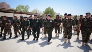 وزير الداخلية يوجه بصرف مكافأة لمنتسبي فرع قوات الأمن الخاص بحضرموت الوادي