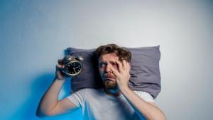هل تستيقظ بمزاج سيئ؟ إليك وسائل التغلب على أعراض الاكتئاب الصباحي