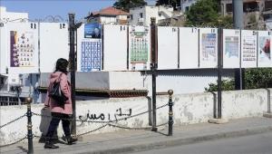 """مرشحات بلا وجوه و""""حسناوات"""".. جدل يرافق حملة الانتخابات بالجزائر"""