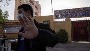 الصين تفصل الأزواج وتزرع أجهزة بالرحم لتحديد نسل مسلمي الأويغور