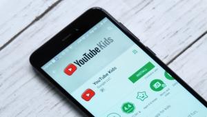 اقتراحات لا تتوقف وبعضها خاطئ.. مشاكل الآباء مع يوتيوب كيدز ما زالت مستمرة
