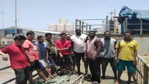 اليمن يطلق سراح 32 بحارا أجنبيا بعد عام من احتجازهم بتهمة الصيد غير الشرعي