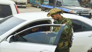 منظمة حقوقية: مليشيا الانتقالي اختطفت طلابا يمنيين وصلوا إلى مطار عدن