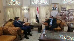 الأمم المتحدة تتعهد بمواصلة الضغط على الحوثيين للسماح بدخول لقاح كورونا