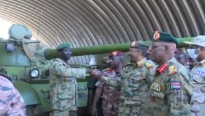 المدرّعات سلاح الانقلابات الحاسم.. مَن قائد انقلاب السودان الفاشل ومَن شاركه الانتحار؟