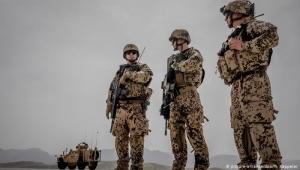 ألمانيا.. القبض على جنديين سابقين حاولا تجنيد محاربين للقتال في اليمن