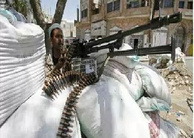 مليشيا الحوثي تختطف مواطن وهو برفقة عائلته بحرف سفيان بعمران