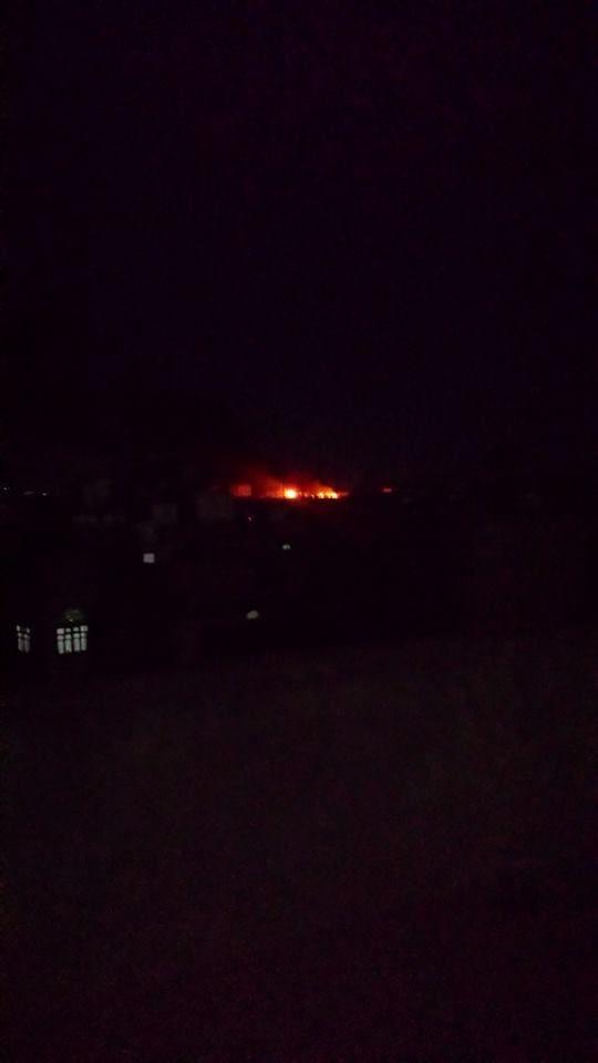 طيران التحالف يقصف معسكر الصيانة في العاصمة ومقتل قياديان حوثيان بغارات في جبهة نهم