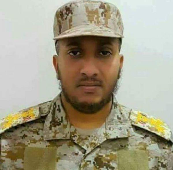 مهران قباطي يؤكد استمرار التدريبات العسكرية للوائه بمأرب ويودع أول دفعة من شهداء أبين