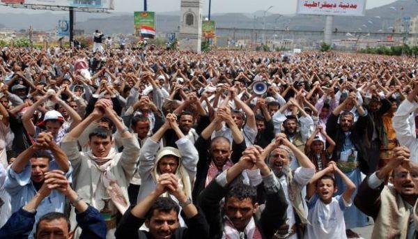 ثورة 11 فبراير بين محاولات التشويه وحقائق الواقع