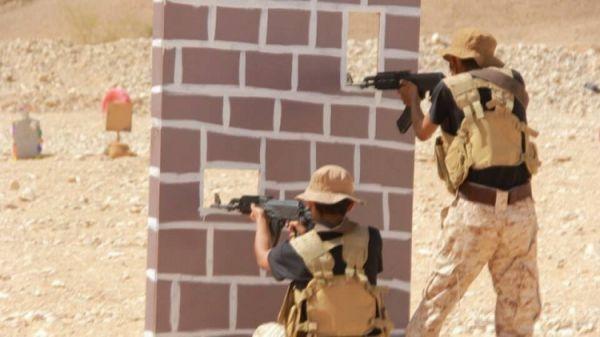 المنطقة العسكرية الأولى تمنع انتشار المظاهر المسلحة بوادي حضرموت