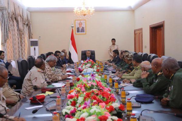 الحكومة تشدد على ضرورة توحيد عمل الأجهزة العسكرية والأمنية