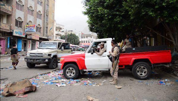 مقتل ثلاثة مدنيين وإصابة سبعة إثر تجدد الاشتباكات في تعز