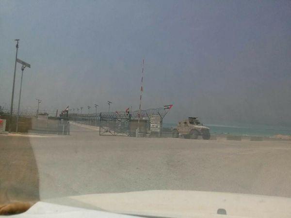 أنتي وور: سيطرة الإمارات على سقطرى جزء من توسعها العسكري بالمنطقة (ترجمة خاصة)