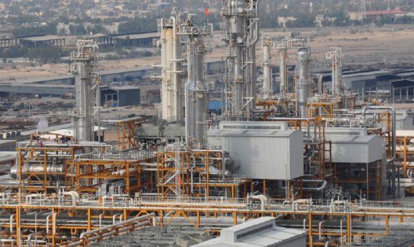 توتال الفرنسية تنسحب من مشروع غاز في ايران استجابة لضغوط أمريكية