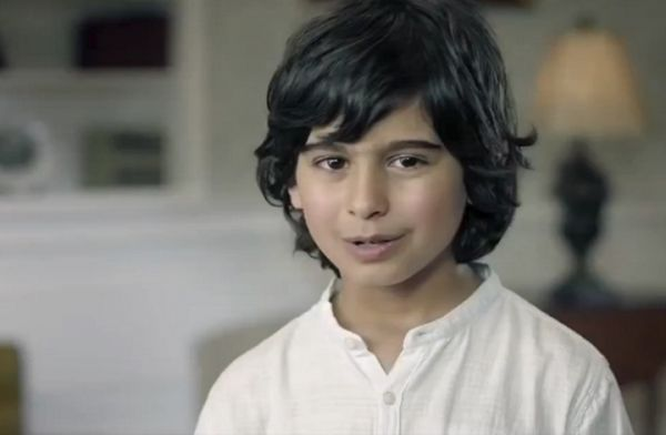 من هو الطفل الذي ظهر في إعلان