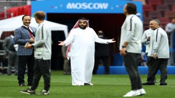 أزمات آل الشيخ تدفع كامل لطلب تدخّل بن سلمان