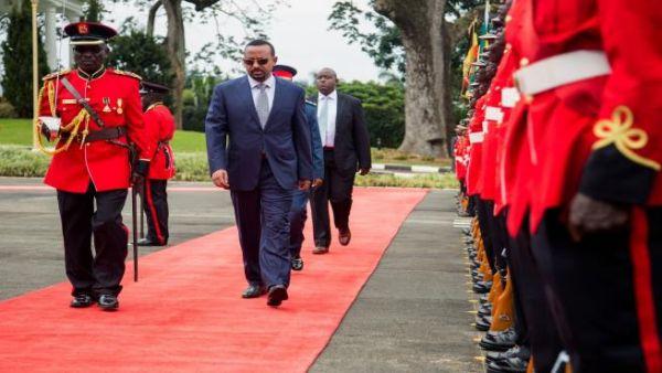 إثيوبيا وإريتريا تتفقان على إعادة فتح السفارتين في قمة تاريخية
