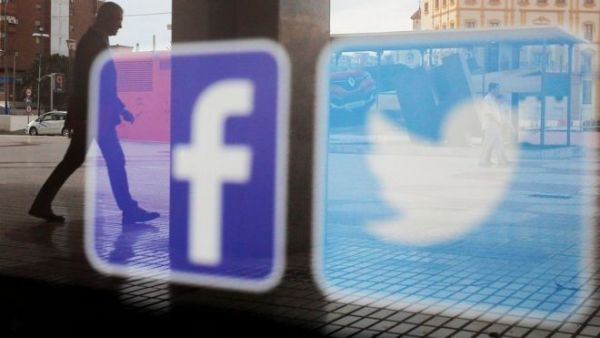 فيسبوك وتويتر تلغي حسابات