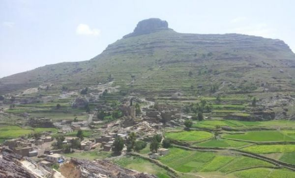 إب .. مقتل مدنيين وحوثيين بمواجهات في قرية بالنادرة