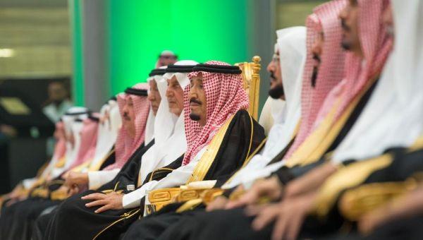كاتب بريطاني: آل سعود في أزمة وخياراتهم محدودة