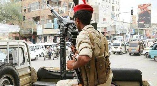 أجهزة الأمن في تعز تعثر على ثلاث جثث مدفونة لجنود من الجيش
