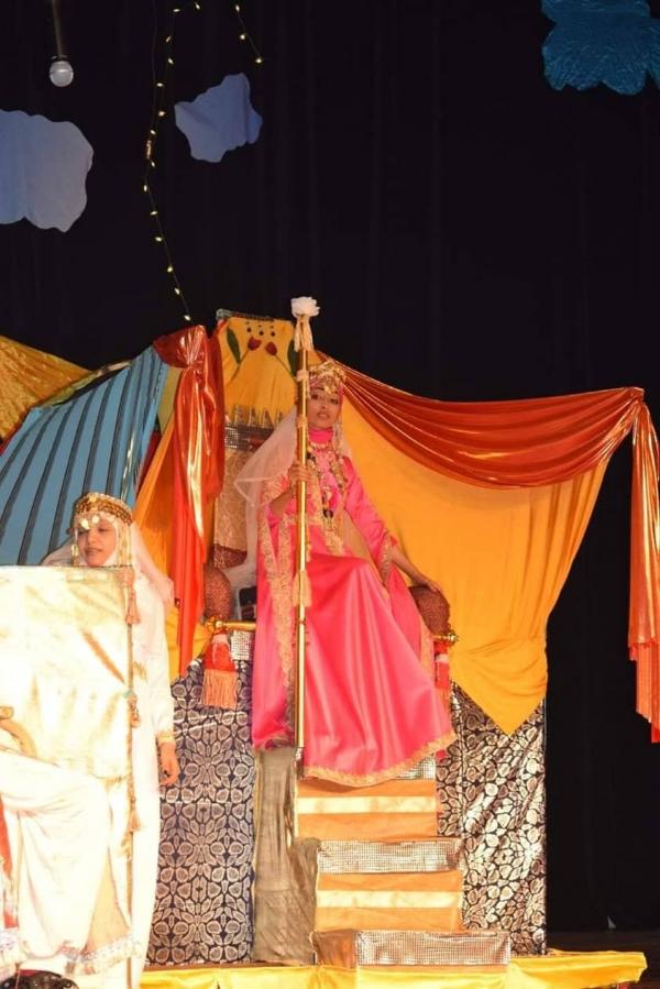 فنانون ونقاد يتحدثون للموقع بوست عن المسرح في اليمن: عقود من التدهور والتهميش
