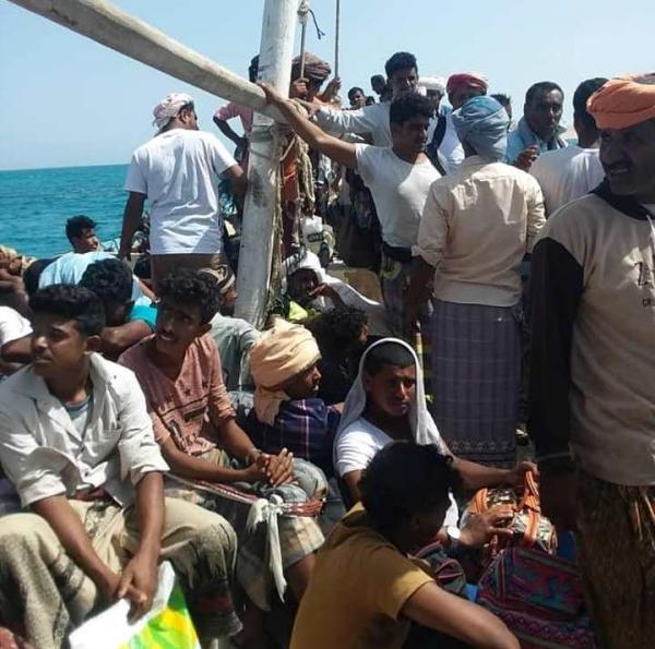 الإمارات تنقل عشرات الشباب إلى عدن لتشكيل النخبة السقطرية (صور)