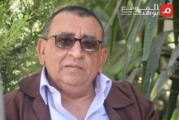 سرد تجربته في حوار مع الموقع بوست.. الروائي عبد الله الإرياني: الكاتب اليمني مُعتقل في مأزق الحرب (فيديو)