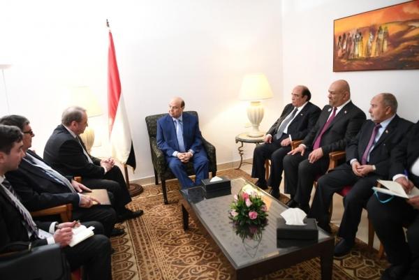 هادي يلتقي مسؤولاً روسياً والأخير يؤكد دعم موسكو لوحدة واستقرار اليمن