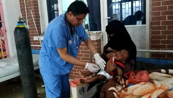 وباء الكوليرا لا يميز بين الأطباء والمرضى في اليمن