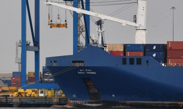 منظمة فرنسية تقدم شكوى عاجلة لمنع إبحار سفينة سعودية محملة بالأسلحة