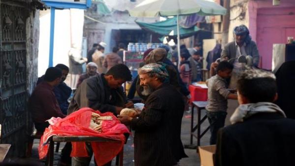 الحرب تجبر اليمنيين على التقشف في رمضان