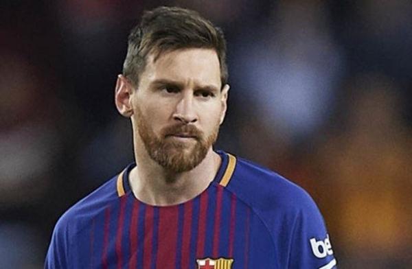 ميسي يطلب من برشلونة ضم 3 لاعبين.. من هم؟