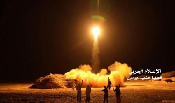 التحالف يقر بقصف الحوثيين لمطار أبها بصاروخ كروز ويعلن إصابة 26 مدنيا