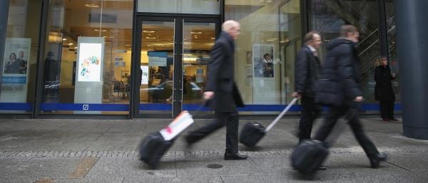 بنك ألماني يسرح نحو 18 ألف موظف
