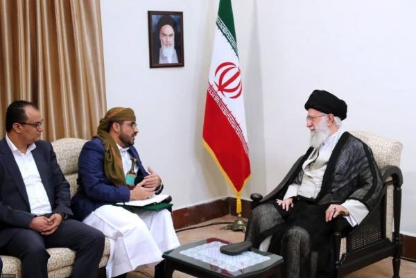 ناطق الحوثيين يلتقي المرشد الأعلى للثورة الإيرانية