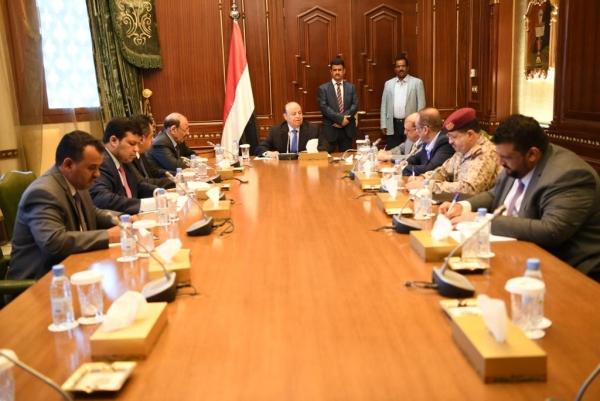 يمنيون تعليقا على اجتماع الشرعية بالرياض: هزيل ومخيب للآمال